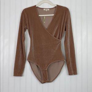 MADEWELL: NWT Velvet Bodysuit